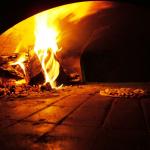 Nápoles prohíbe hacer pizzas con horno de leña por la contaminación